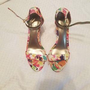 EUC Floral block heels